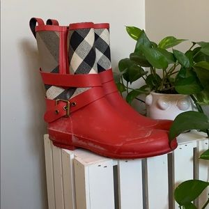 Bright red short Burberry rain boots